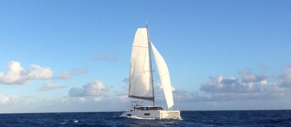 Lucia 40 en navigation dans l'Océan Atlantique