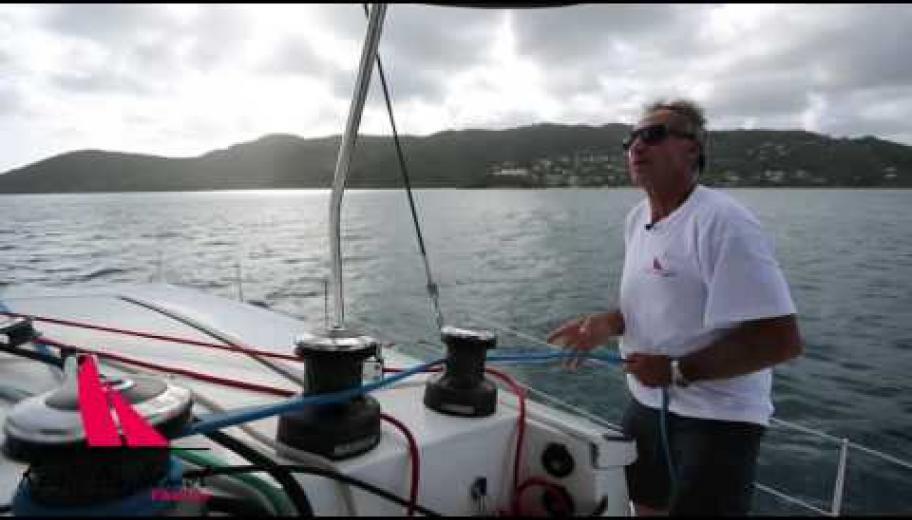 Manoeuvres voiles d'un catamaran Régis Guillemot Charter